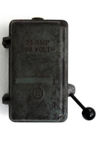 Disjoncteur d'usine